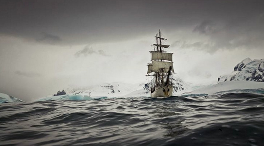 Photographer snaps epic South Pole journey aboard ship from 1911 (PHOTOS)