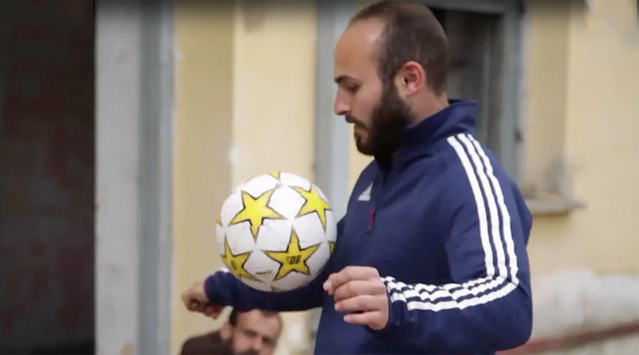 Syrian refugee footballer dreams of playing for Barcelona (VIDEO)