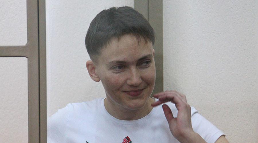 Ukrainian pilot relaxes dry hunger strike after pranksters send fake Poroshenko letter