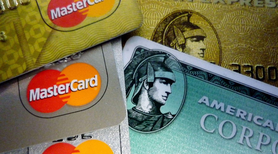 US credit card debt skyrockets, approaching $1 trillion