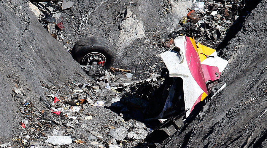 Suicidal Germanwings co-pilot Lubitz was referred to psychiatric clinic 2 weeks before crash