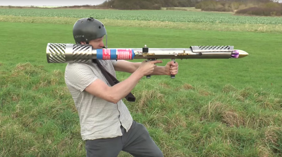 Scrap metal madness: Plumber creates DIY 'firework rocket launcher' to blow his socks off (VIDEO)