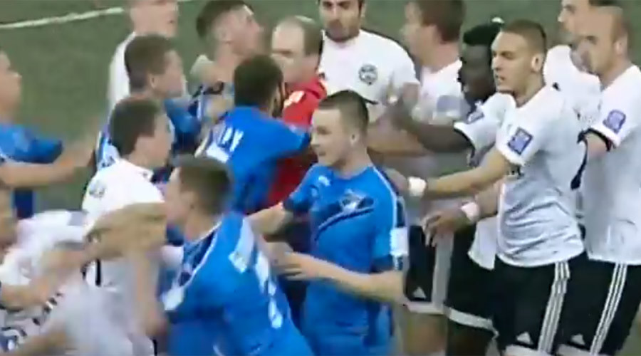 3 penalties, 2 red cards, and 1 mass brawl at Russian football match (VIDEO)