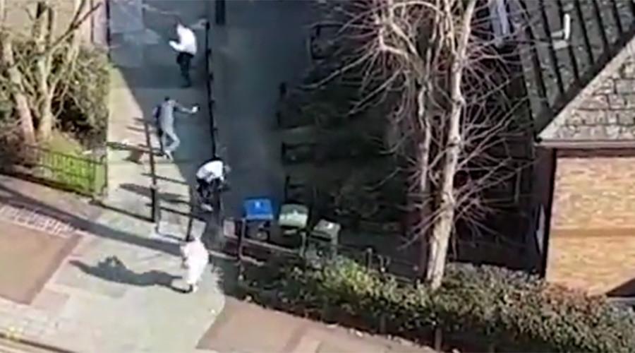 Gunman filmed shooting at teens in North London (VIDEO)