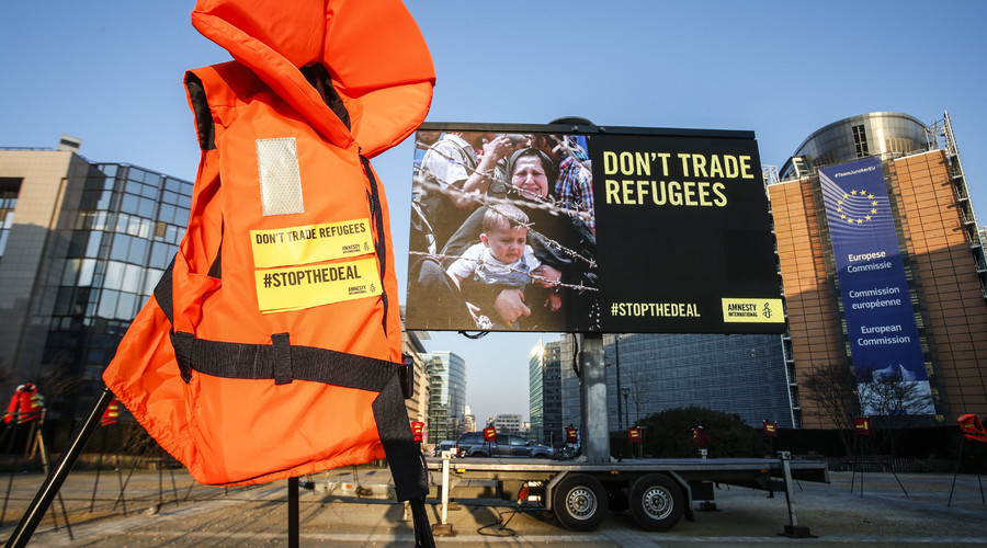 'Don't trade refugees!' EU outsourcing human rights obligations to brutal Turkish regime – NGOs