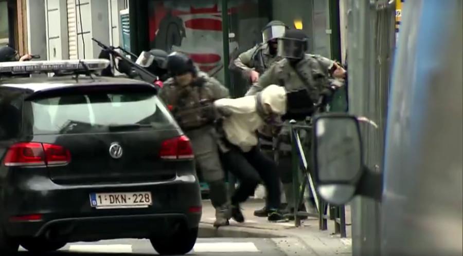 Anti-terror raid to capture Paris attack suspect Abdeslam caught on VIDEO