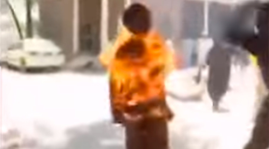 Man combusts into human torch (GRAPHIC VIDEO)