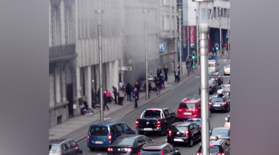 Smoke billowing from Maalbeek station in Brussels (VIDEO)