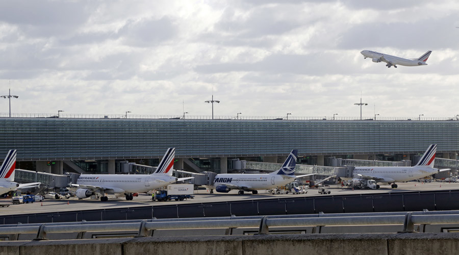 Child groups outraged after 8yo with fake docs kept in Paris airport for more than a week