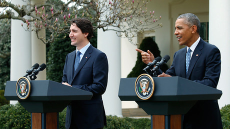 U.S. President Barack Obama (R) addresses a joint news conference with Canadian Prime Minister Justin Trudeau in the White House Rose Garden in Washington March 10, 2016 © Kevin Lamarque