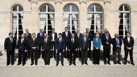 Family photo of a gathering of European Social Democrat leaders at the Elysee Palace in Paris, France, March 12, 2016. © Dominique Faget
