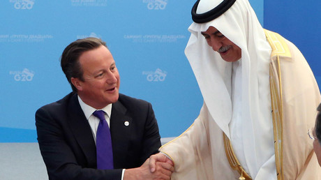 British Prime Minister David Cameron (L) and Saudi Arabia's Finance Minister Ibrahim Al-Assaf © Sergei Karpukhin