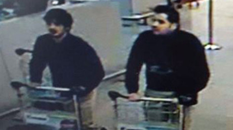 A picture released on March 22, 2016 by the Belgian federal police on demand of the Federal prosecutor shows a screengrab of the airport CCTV camera showing suspects of this morning's attacks at Brussels Airport, in Zaventem © BFP