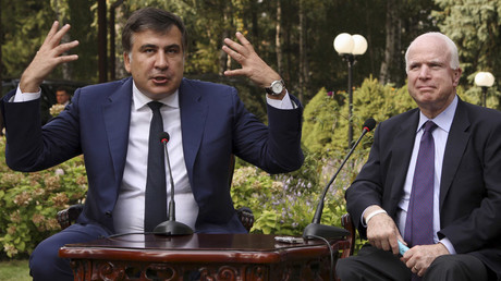Governor of Odessa region Mikheil Saakashvili (L) and U.S. Senator John McCain © Stringer
