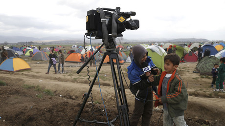 Greek broadcaster opens Arabic language channel for refugees