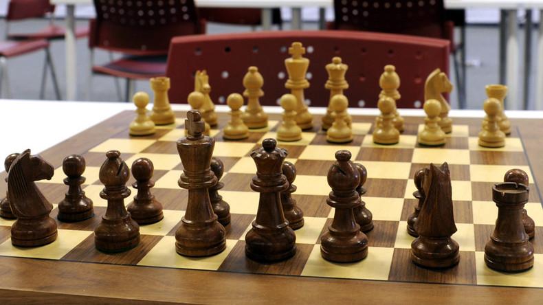 'David vs Goliath': American & Russian prison inmates engage in chess battle
