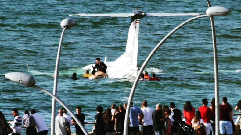 Plane crashes into sea near Tel Aviv beach, 2 injured (VIDEOS, PHOTOS)