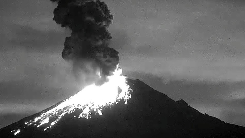 Mexico's Popocatepetl volcano spectacularly erupts, spewing lava & ash (VIDEO)