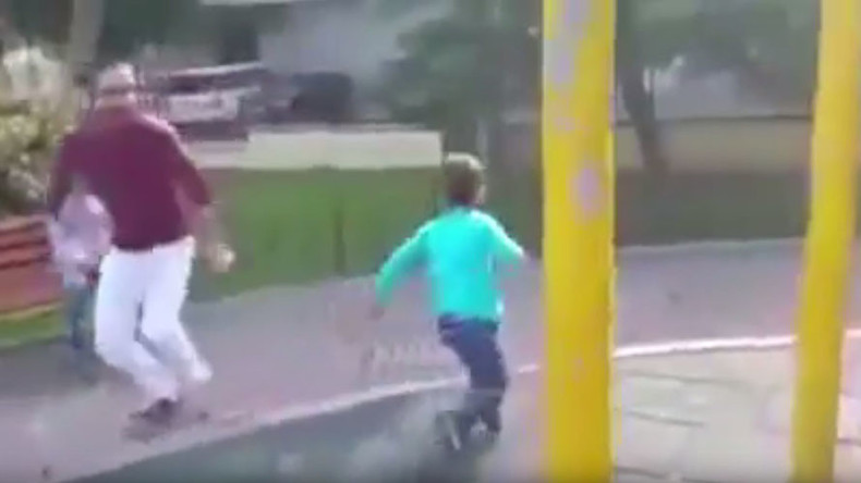 Man makes fun of Syrian refugee boy at Istanbul playground, 'alerting' him of 'airstrike' (VIDEO)