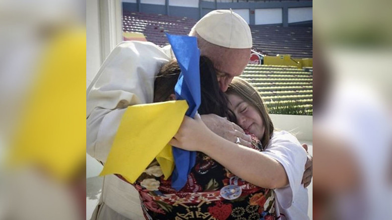 'Glory to Ukraine?' Major gaffe as Ukrainians confuse Down syndrome ribbon with national flag