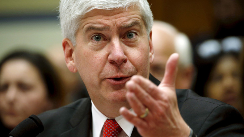 'Intentional scheme': Racketeering lawsuit takes aim at Michigan governor over Flint crisis