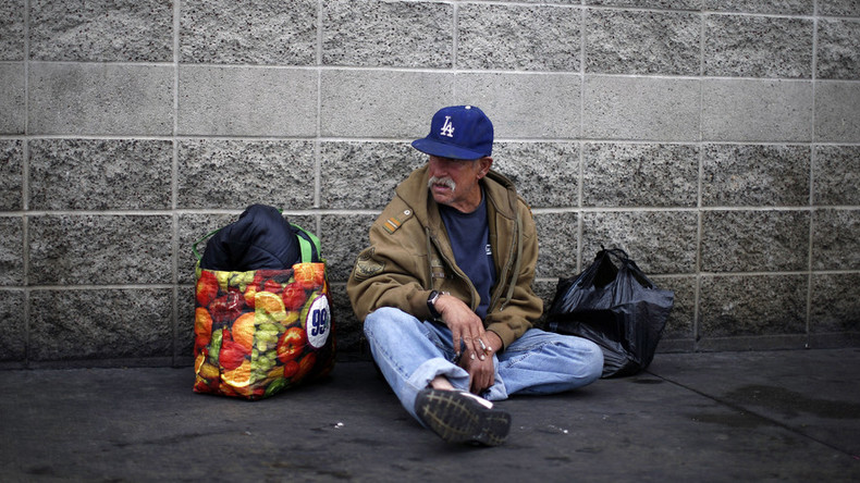 Almost 1/3 of LA County residents fear going hungry, becoming homeless – survey