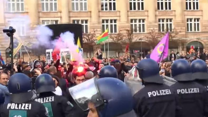 Hundreds pro-Erdogan & pro-Kurdish demonstrators clash across Germany (VIDEO)