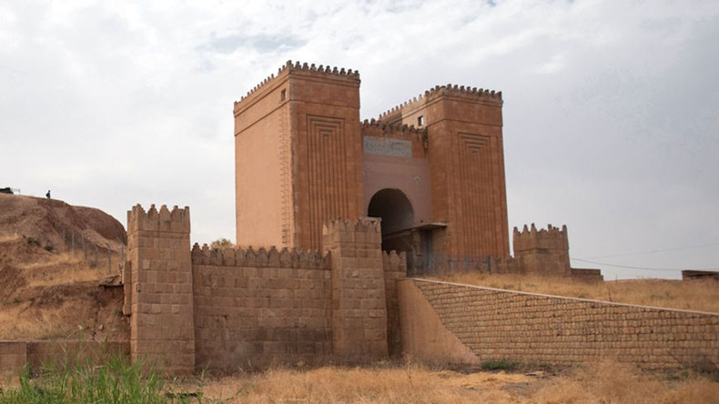 ISIS destroys 2,000-year-old legendary 'Gate of God' in Iraq