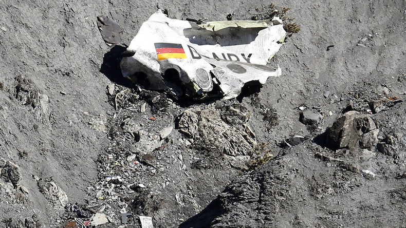 80 families of victims sue US flight school for not checking health of Germanwings pilot