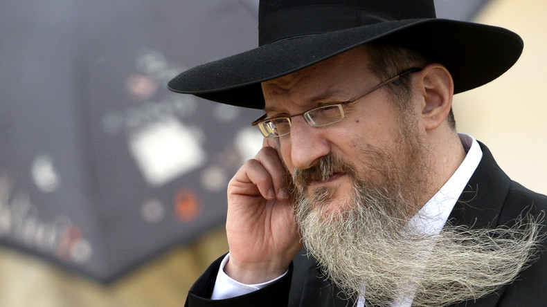 Chief Rabbi cries foul over anti-Semitic remarks from ruling party candidate