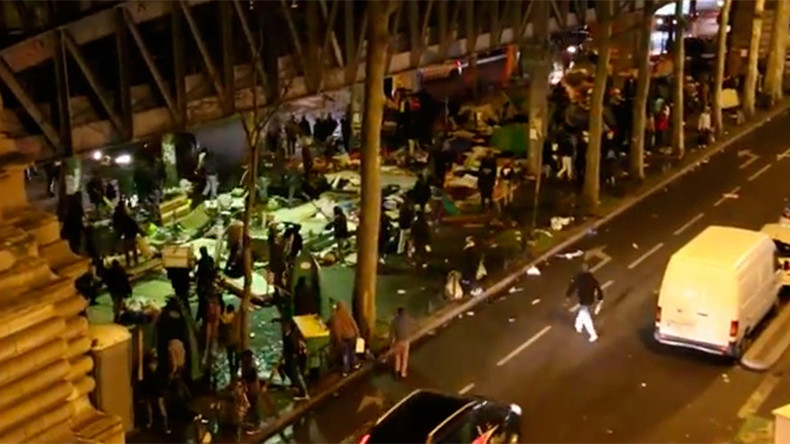 Brawl of Stalingrad: Fierce battle erupts at migrant camp under Paris metro station (VIDEO)