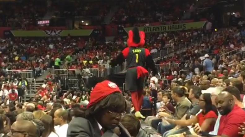 Crushing moment: Atlanta Hawks mascot slips on barrier (VIDEO)