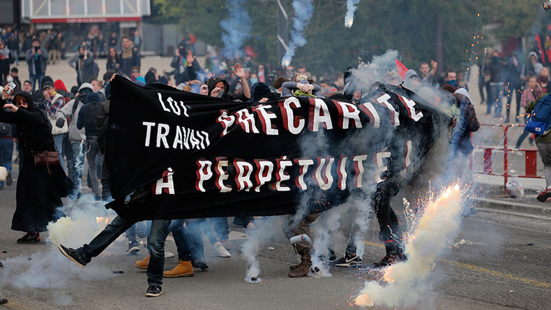 'Resistance!' French police fire teargas at anti-labor reform protesters in Nantes (PHOTOS, VIDEOS)