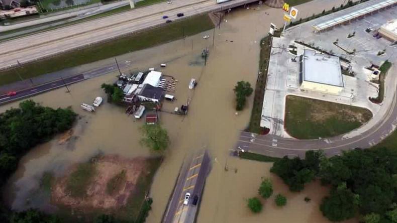Houston flooding kills 8, causes billions worth of damage (PHOTOS, VIDEOS)