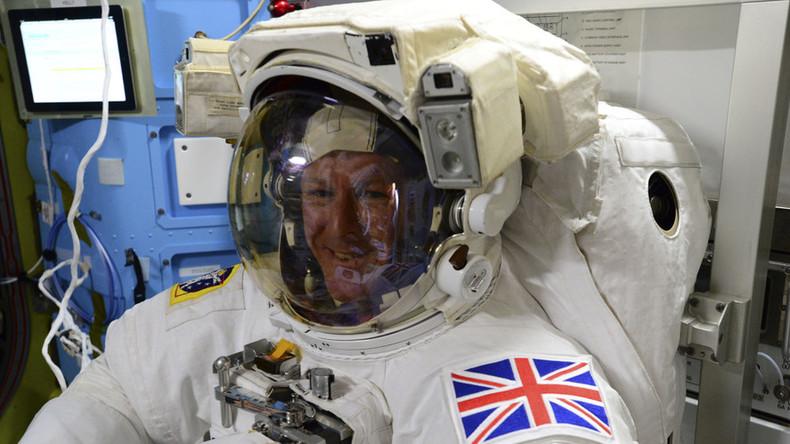 Astronaut Peake to battle cosmic chaffing for 4h, running 'alongside' London marathon on ISS (VIDEO)