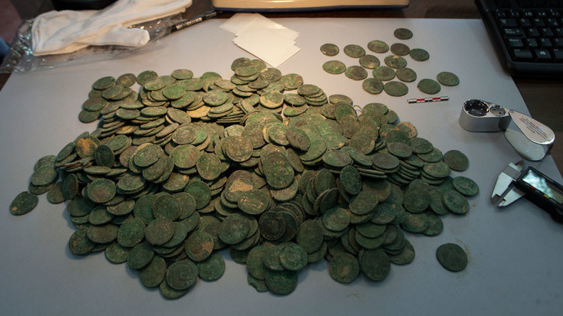 Half a ton of 1,700 yro Roman coins found hidden in jars in Seville