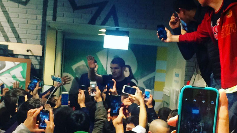 MMA fans destroy Reebok store at Khabib Nurmagomedov autograph session in Moscow (PHOTOS, VIDEO)