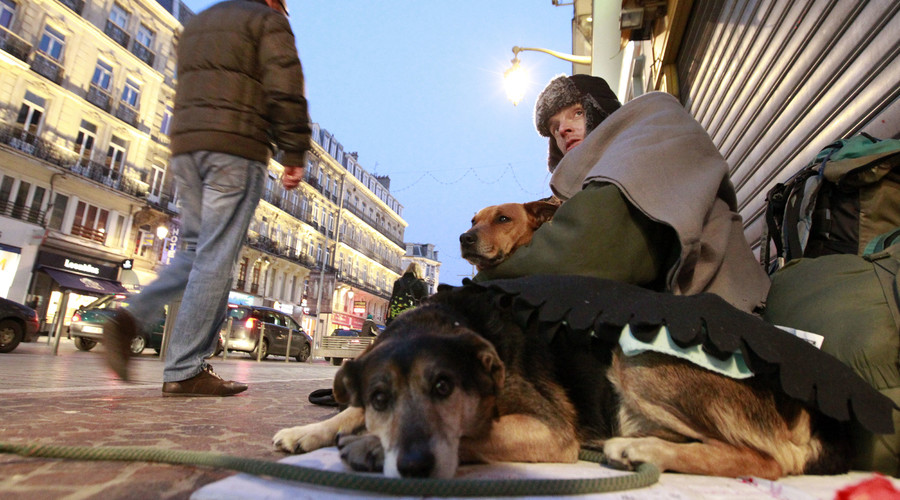 'Eviction season' in France begins, leaving up to 40,000 homeless