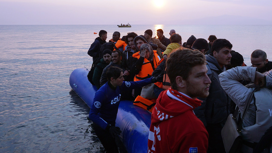 Deportations kick off in Greece amid warnings Turkey is 'not safe 3rd country for refugees'