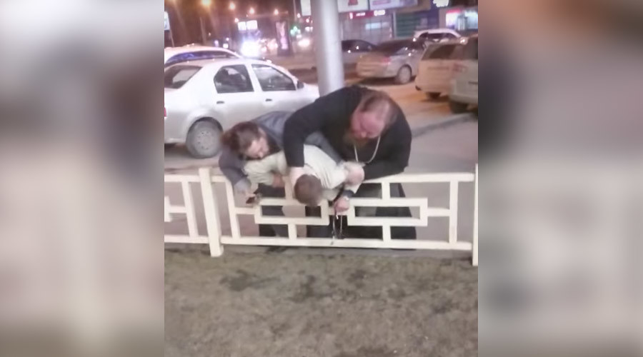 Fake priest beats up businessman in Russia's Novosibirsk (VIDEO)