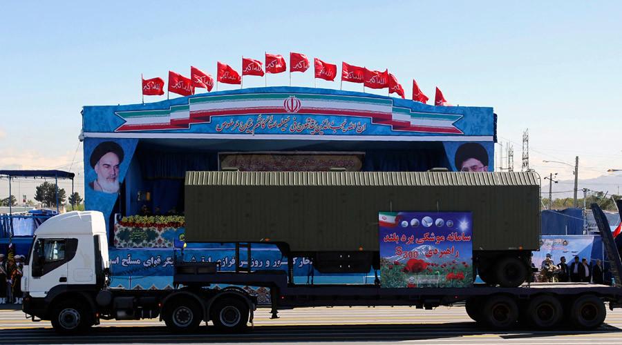 Iran shows off Russian S-300 SAM missile at army parade