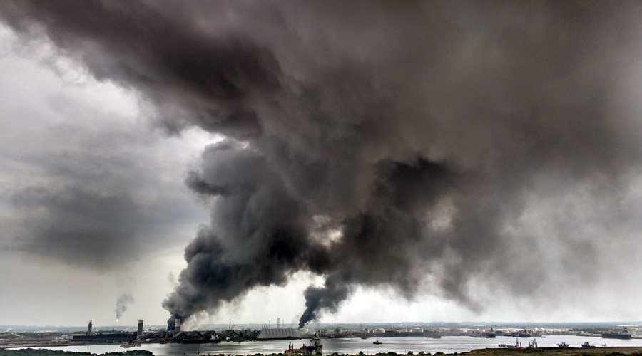 Mexico oil factory blast: 13 dead, over 100 injured, hundreds evacuated as huge toxic cloud released
