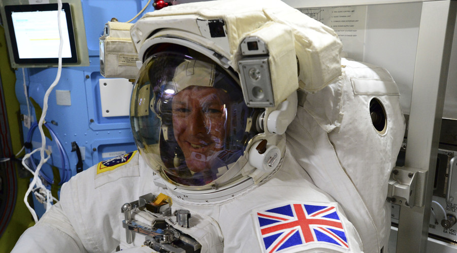 Astronaut Peake to battle cosmic chaffing for 4h, running 'alongside' London marathon on ISS (VIDEO)