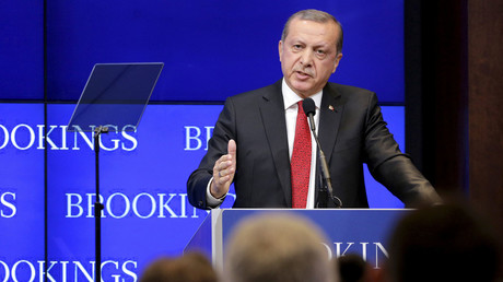 Turkish President Tayyip Erdogan speaks at the Brookings Institute in Washington March 31, 2016. © Joshua Roberts