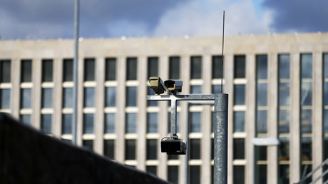 Surveillance cameras overlook the building site of the new headquarters of the Bundesnachrichtendienst (BND), Germany's Federal Intelligence Service in Berlin © Tobias Schwarz