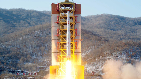 A North Korean long-range rocket is launched into the air at the Sohae rocket launch site, North Korea, in this photo released by Kyodo February 7, 2016. © Kyodo