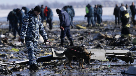 Emergencies Ministry members work at the crash site of a Boeing 737-800 Flight FZ981 operated by Dubai-based budget carrier Flydubai, at the airport of Rostov-On-Don, Russia, March 20, 2016. © Maxim Shemetov