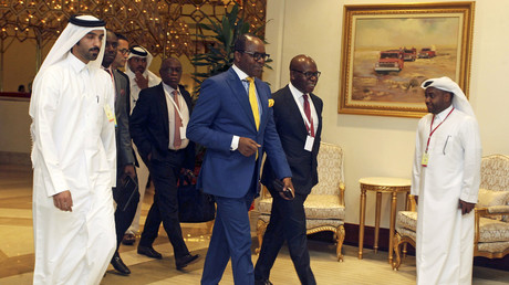Nigerian Oil Minister Emmanuel Ibe Kachikwu arrives to a meeting between OPEC and non-OPEC oil producers, in Doha, Qatar April 17, 2016. © Ibraheem Al Omari
