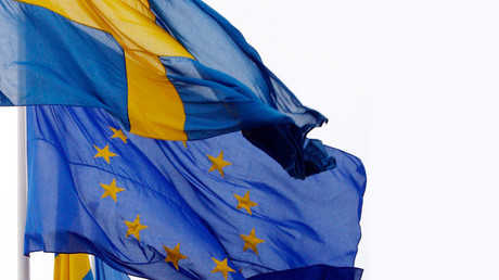 Swedish support for EU membership plummets amid refugee crisis – poll