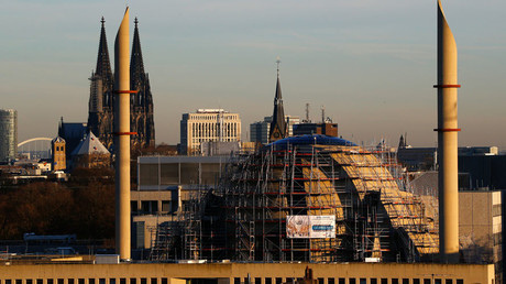 The construction site of the new Cologne Central Mosque next to the famous landmark and UNESCO world heritage, the Cologne Cathedral in Germany. © Wolfgang Rattay